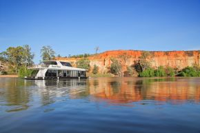 Desert Rose Houseboat
