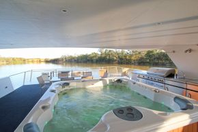 Desert Rose Houseboat Upper Deck