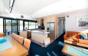 Living area on Oasis Houseboat - Moored at Customs House Houseboat Marina