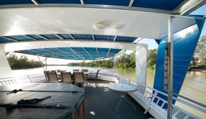 Top deck on Loud Whisper Houseboat moored at Customs House Houseboat Marina